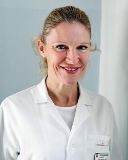 Dr. Iris Zachenhofer